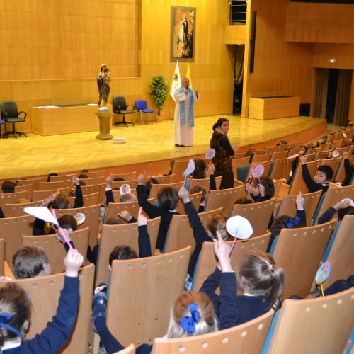 Ofrenda a la Inmaculada en el Colegio CEU San Pablo Sevilla