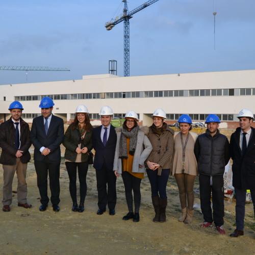 Los profesores visitan las obras del nuevo colegio CEU Sevilla