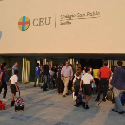 Primer día de clases en el nuevo Colegio CEU Sevilla