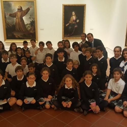 Alumnos de 5º Primaria del Colegio CEU Sevilla visitan el Museo de Bellas Artes con el profesor Fernando Gabardón