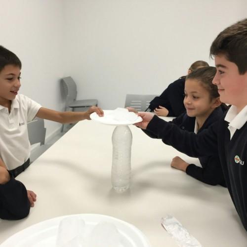 Los alumnos del Colegio CEU Sevilla crean sus propias nubes