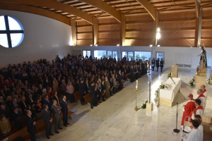 confirmacion-iglesia-feligreses