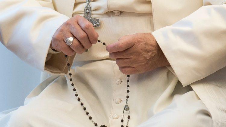 papa-rosario-mayo